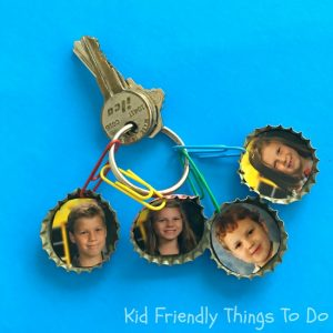 DIY Keepsake Photo Key Chain Craft - So sweet and Perfect for a gift on Mother's Day or Father's Day. Also a great grandparent Christmas or birthday gift! KidFriendlyThingsToDo.com
