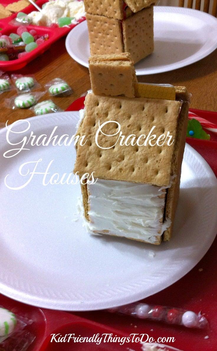 Graham Cracker Christmas Houses - KidFriendlyThingsToDo.com