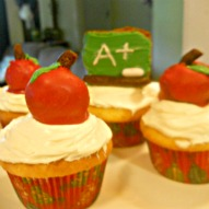 An Apple Shaped Brownie Cupcake Top For Teacher  – A Kid Friendly Thing To Do