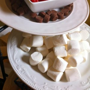The most delicious Smore's Bar, and an easy way to display it! - KidFriendlyThingsToDo.com