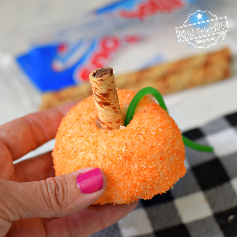 Hostess Snoball Pumpkin Patch Treat Cakes Idea | Kid Friendly Things To Do