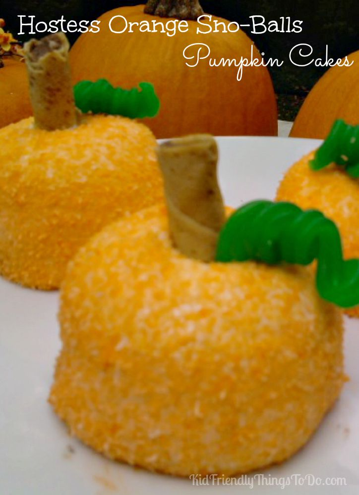 Simple to do no bake pumpkin party food! This couldn't be easier, and so cute! Perfect dessert for fall or Halloween parties.