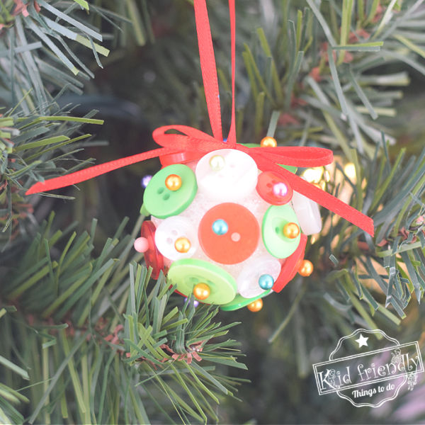Making A Christmas Button Ornament {Easy for Kids}  | Kid Friendly Things To Do