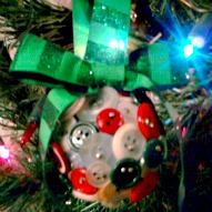 Making A Christmas Ornament Out Of Buttons – A Kid Friendly Craft