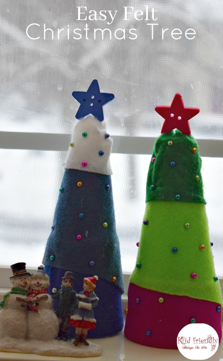 Easy Felt Christmas Tree Craft for kids to make! Perfect for holiday parties. www.kidfriendlythingstodo.com