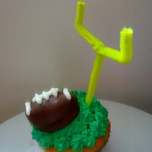 An Oreo Cooke Football Topper for Cupcakes | Kid Friendly Things To Do