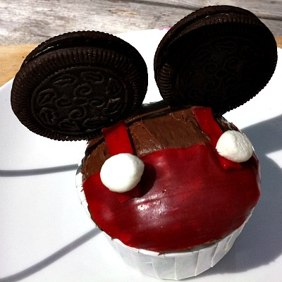 Easy Mickey Mouse Cupcake Idea