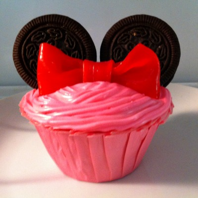 Easiest Minnie Mouse Cupcake Idea, Ever | Kid Friendly Things To Do