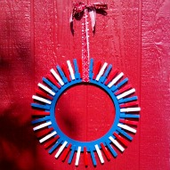 Make A Wreath Out Of Clothespin!