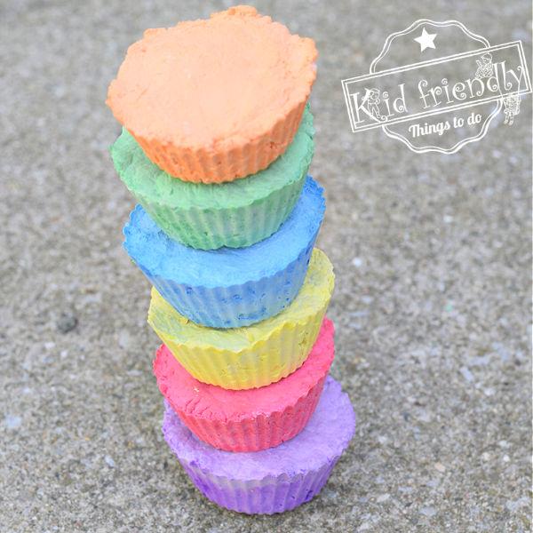 Homemade Sidewalk Chalk Recipe – Kid Friendly Things To Do