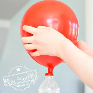 Baking Soda & Vinegar Balloon Experiment {Easy & Fun!}  | Kid Friendly Things To Do