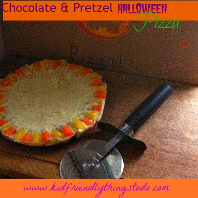 Chocolate & Pretzel Halloween Pizza Dessert!