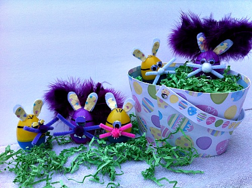 Making Minion Easter Eggs