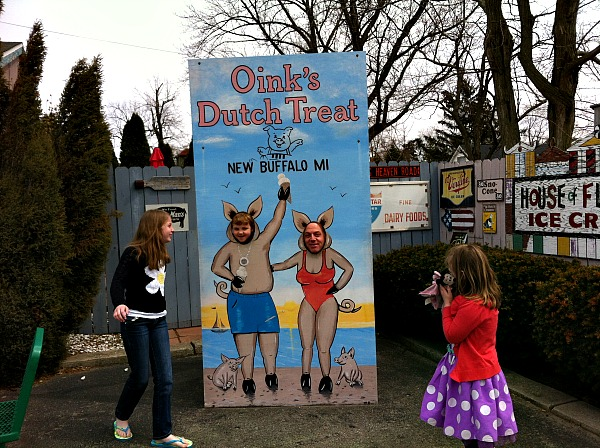 Oinks Ice Cream New Buffalo Michigan