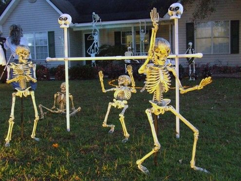 Skeleton Yard Displays
