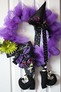 DIY Halloween Wreaths to Make