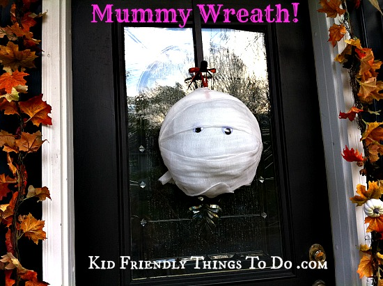 DIY Mummy Wreath - perfect for Halloween!