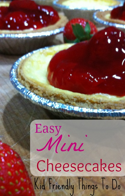 Mini Cheesecakes are so cute and perfect for Valentine's Day!