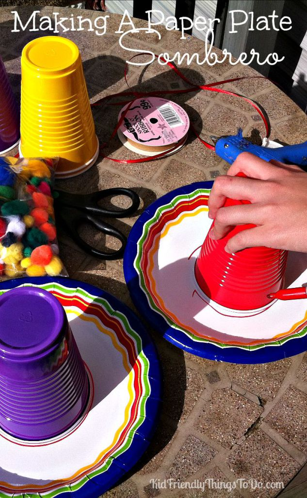 Over 20 Fun Cinco De Mayo crafts, fun food treats for kids and recipes - www.kidfriendlythingstodo.com