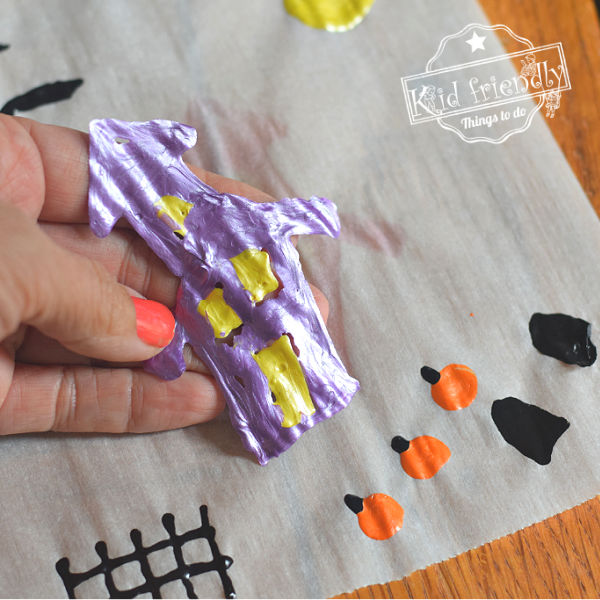 making window clings with puffy paint