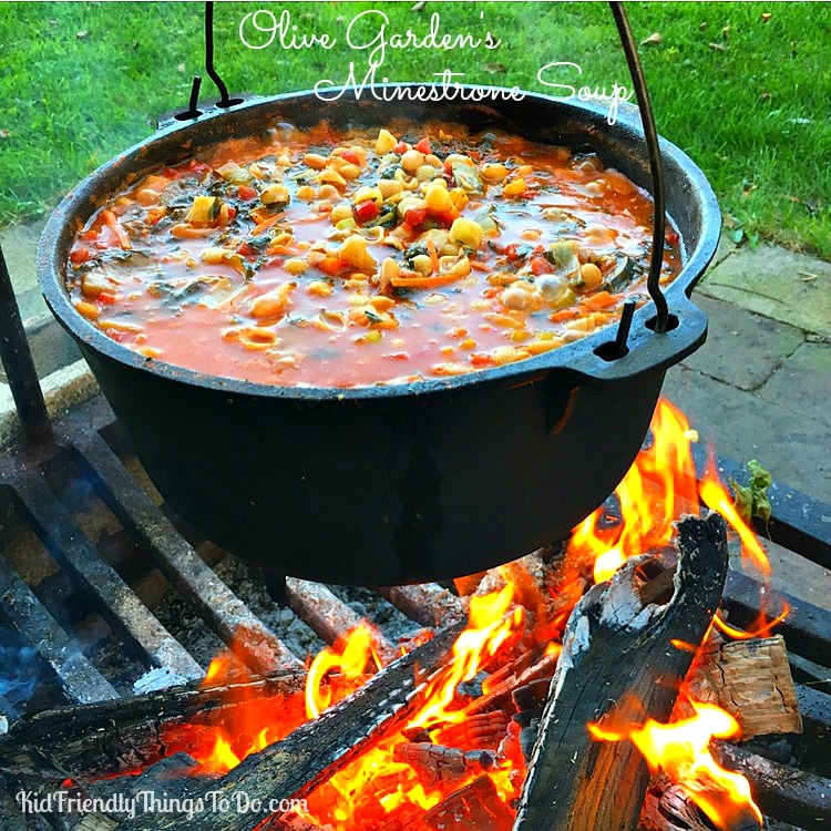 Olive Garden's Copycat Minestrone Soup Recipe