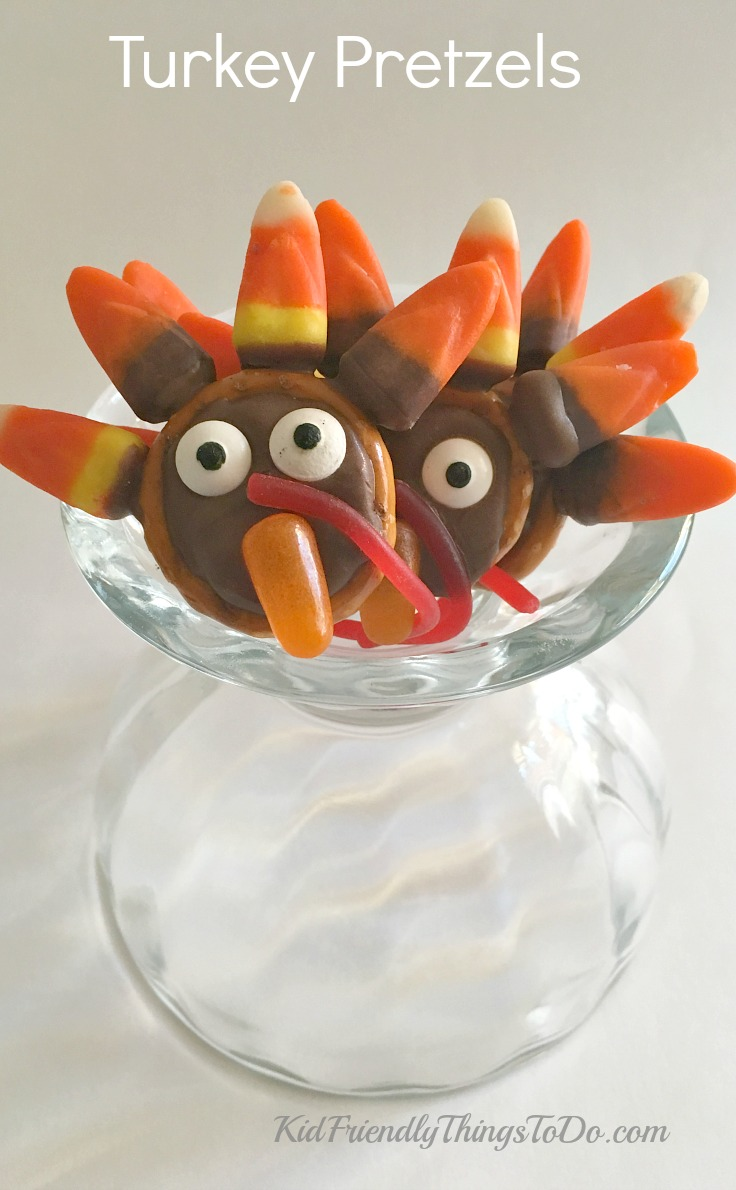 Chocolate Turkey Pretzels - A fun treat for Thanksgiving - KidFriendlyThingsToDo.com