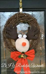 DIY Easy Rudolph Christmas Wreath
