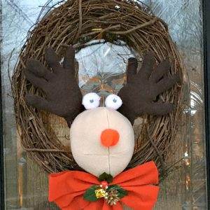 DIY Easy Plush Rudolph Wreath - KidFriendlyThingsToDo.com