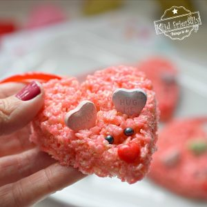 Rice Krispies Treats Mice {Valentine Dessert Treat} | Kid Friendly Things To Do