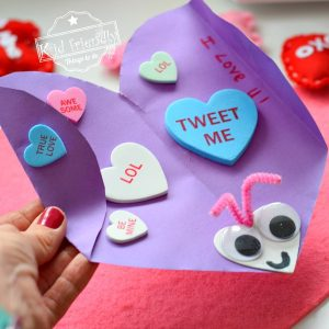 Love Bug Homemade Valentine's Day Card | Kid Friendly Things To Do