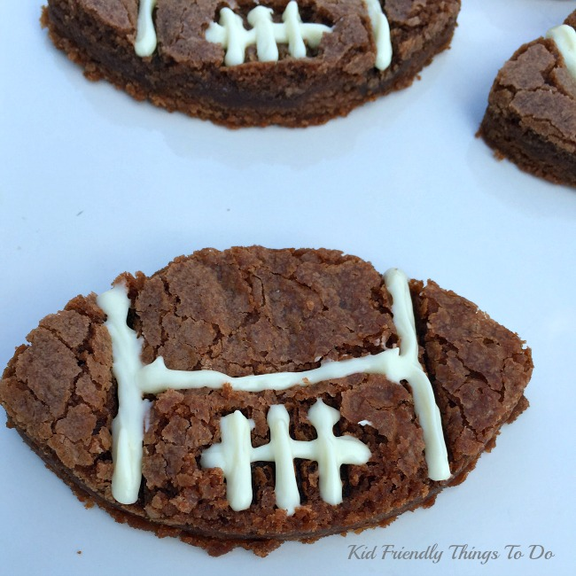 A last minute football fun food! Easy Football Shaped Brownie Recipe - KidFriendlyThingsToDo.com
