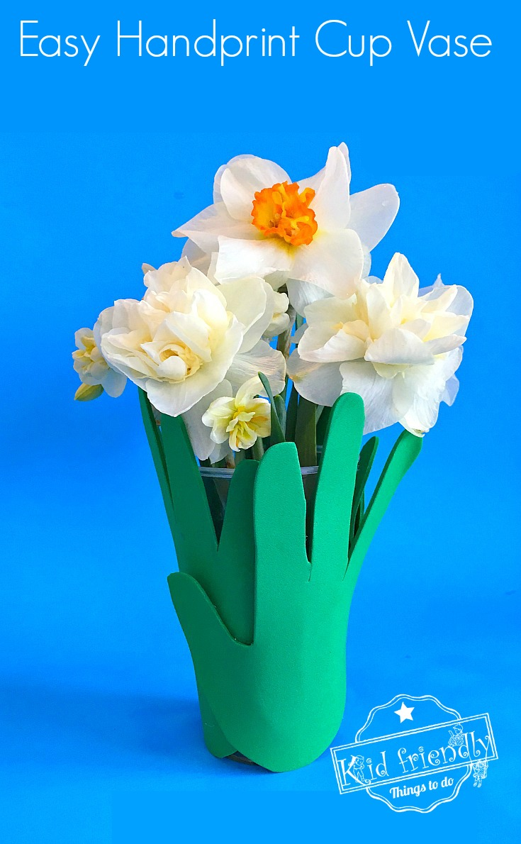 A sweet childs handprint vase for mothers day and more its like your kids are forever holding flowers out to you sweet izmirmasajfo