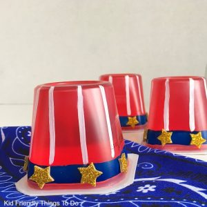 Uncle Sam Hat Jello Snacks. Easy to make and the perfect summer treat for picnics, parties, Memorial Day, Fourth of July and Labor Day fun! KidFriendlyThingsToDo.com