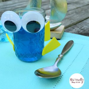 A super easy Finding Dory Jello Party Snack for birthday parties or just for fun. Great for an ocean or under the sea birthday, too! KidFriendlyThingsToDo.com
