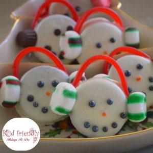 Chocolate Covered Oreo Cookie Snowmen Treats for a Winter Fun Snack