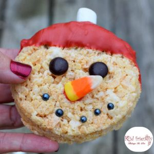 Snowman Rice Krispies Treats for a Fun Food Treat