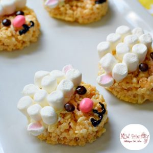 Cute and Easy to Make Little Lamb Rice Krispies Treat for Easter - Perfect for Easter, spring, or farm animal party! www.kidfriendlythingstodo.com
