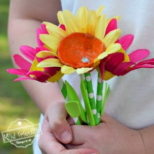 Egg Carton & Paper Straw Flower Craft For Kids To Make