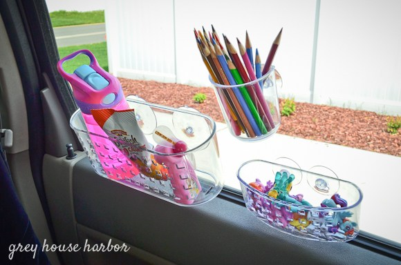 Over 15 Must Try Road Trip Hacks For Easy Travelling with Kids - Ideas for organizing the car or van for family road trips! www.kidfriendlythingstodo.com