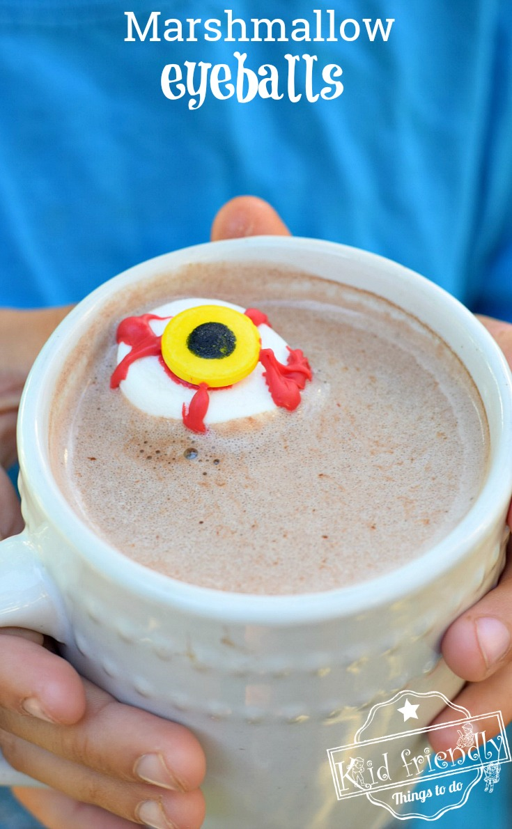 Spooky Marshmallow Eyeball for a Kid's Halloween Fun Hot Chocolate Treat - easy to make and so fun. Fall drink idea. www.kidfriendlythingstodo.com