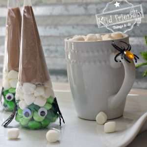 Fun and Easy Witch Hot Chocolate Kit Idea for a Kid's Halloween Party and Basic Invite