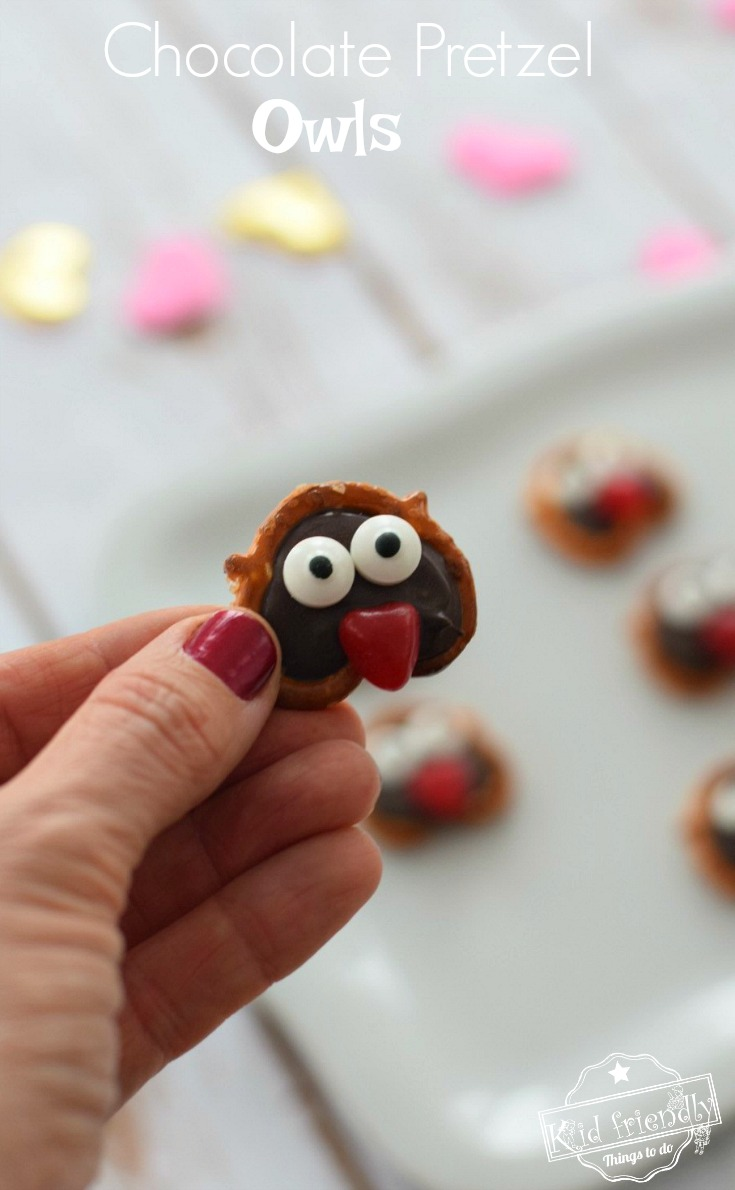 Chocolate Covered Pretzel Valentine Owls - A Simple and Fun Treat for Kids - So easy and perfect for Valentine's Day parties or just fo fun. www.kidfriendlythingstodo.com
