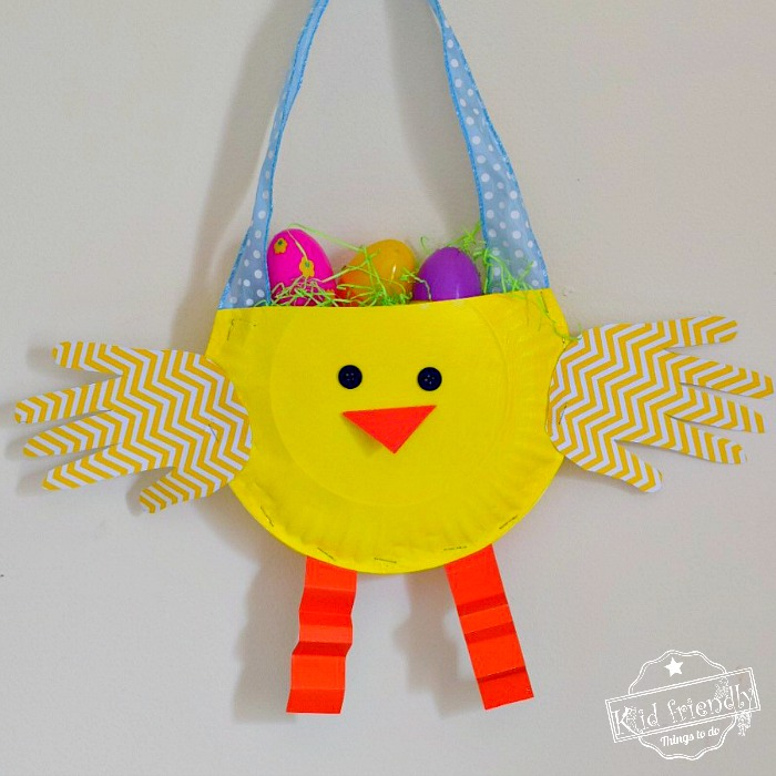 DIY Paper Plate Chicken Easter Basket Craft for Kids - Make this adorable little chicken with the kids for a fun craft and treat holder - www.kidfriendlythingstodo.com