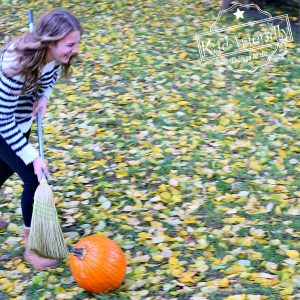 Pumpkin Sweep {Fall and Thanksgiving Game} | Kid Friendly Things To Do