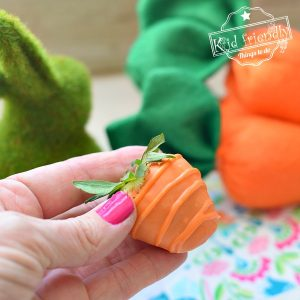 Adorable Carrot Chocolate Covered Strawberries | Kid Friendly Things To Do