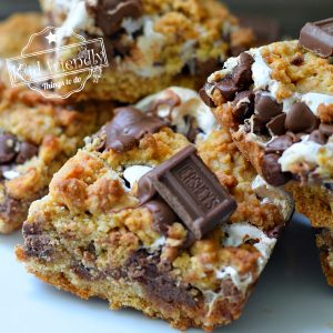 The Best S'mores Cookie Bars | Kid Friendly Things To Do