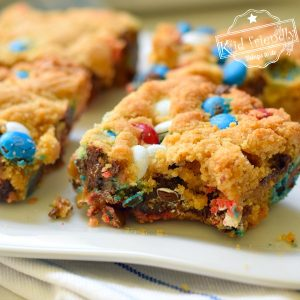 Red, White & Blue Blondies (with M&M's) | Kid Friendly Things To Do