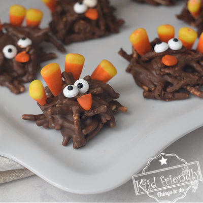 Turkey Haystack Cookies {Cute Thanksgiving Dessert} | Kid Friendly Things To Do